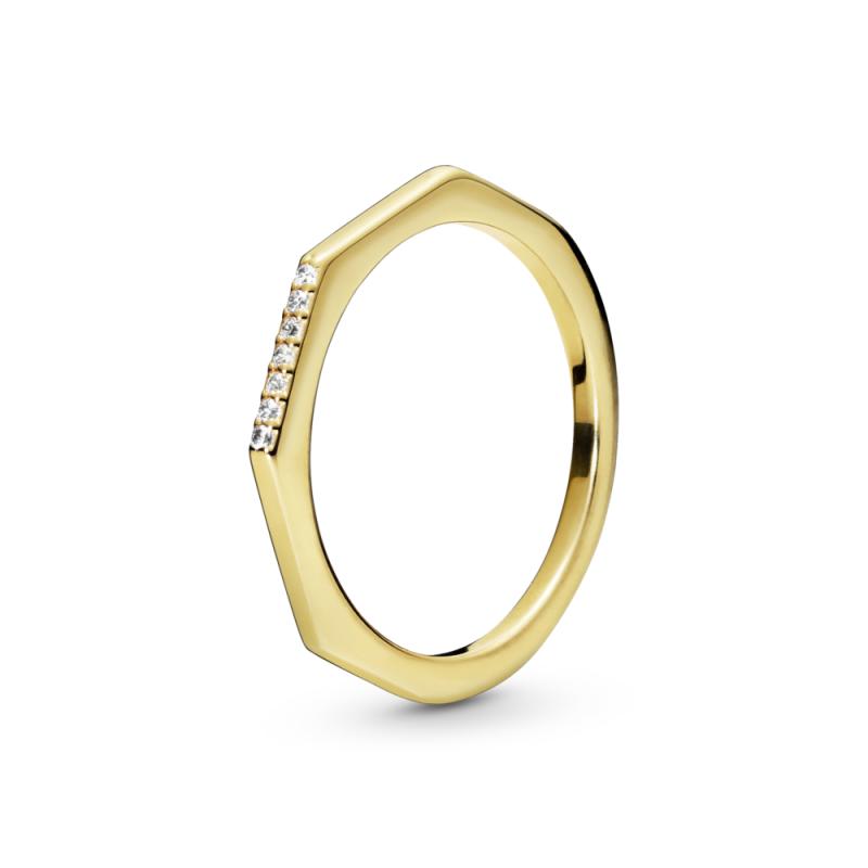 Prsten sa fasetiranim uglovima