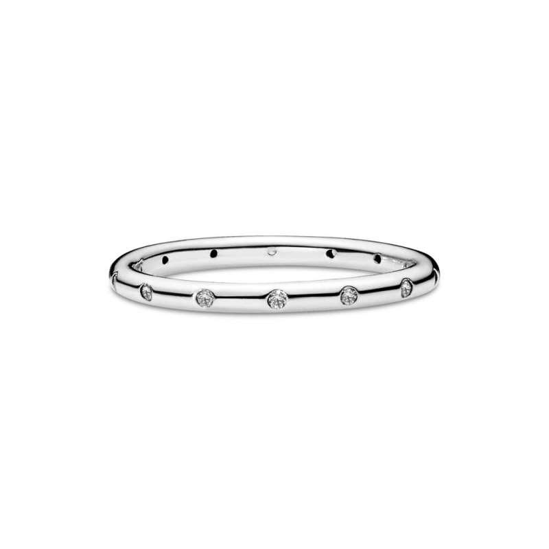 Prsten sa svetlucavim kamenčićima