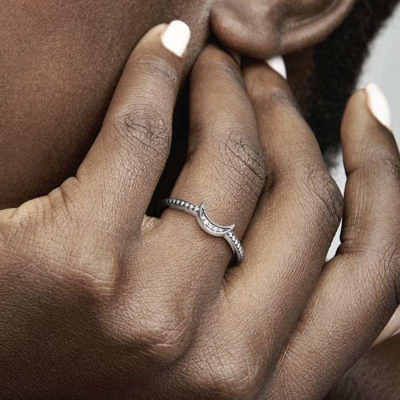 Prsten Polumesec sa perlicama