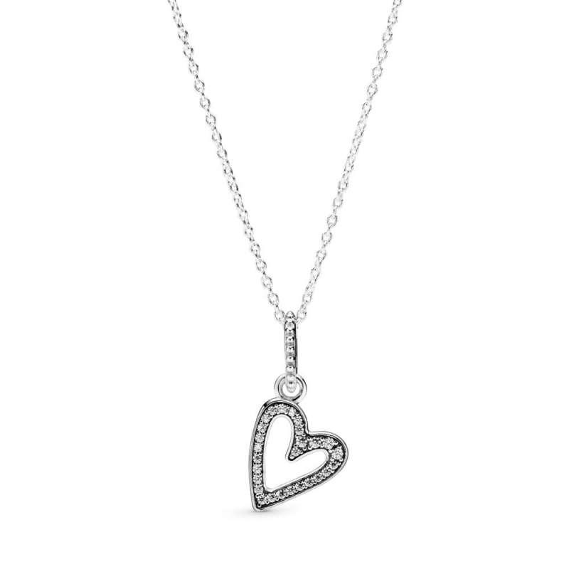 Ogrlica sa priveskom Svetlucavo nacrtano srce