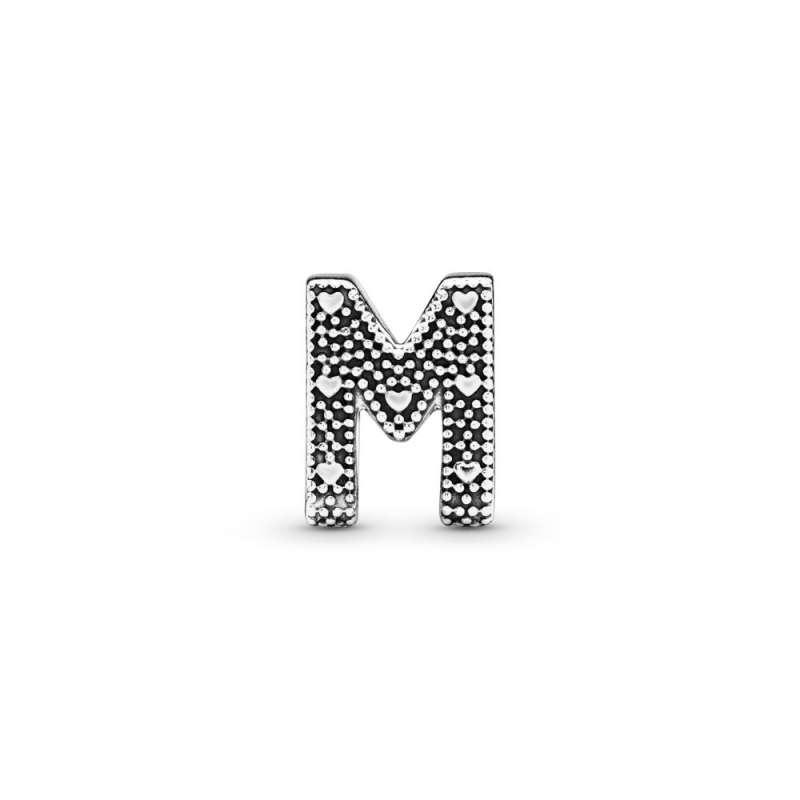 Privezak Slovo M